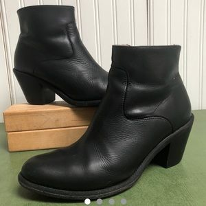 All Saints Black Leather Ankle Boots/Booties